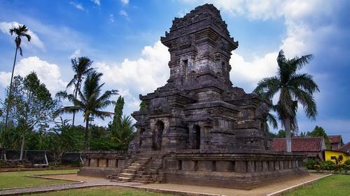 singosari temple malang