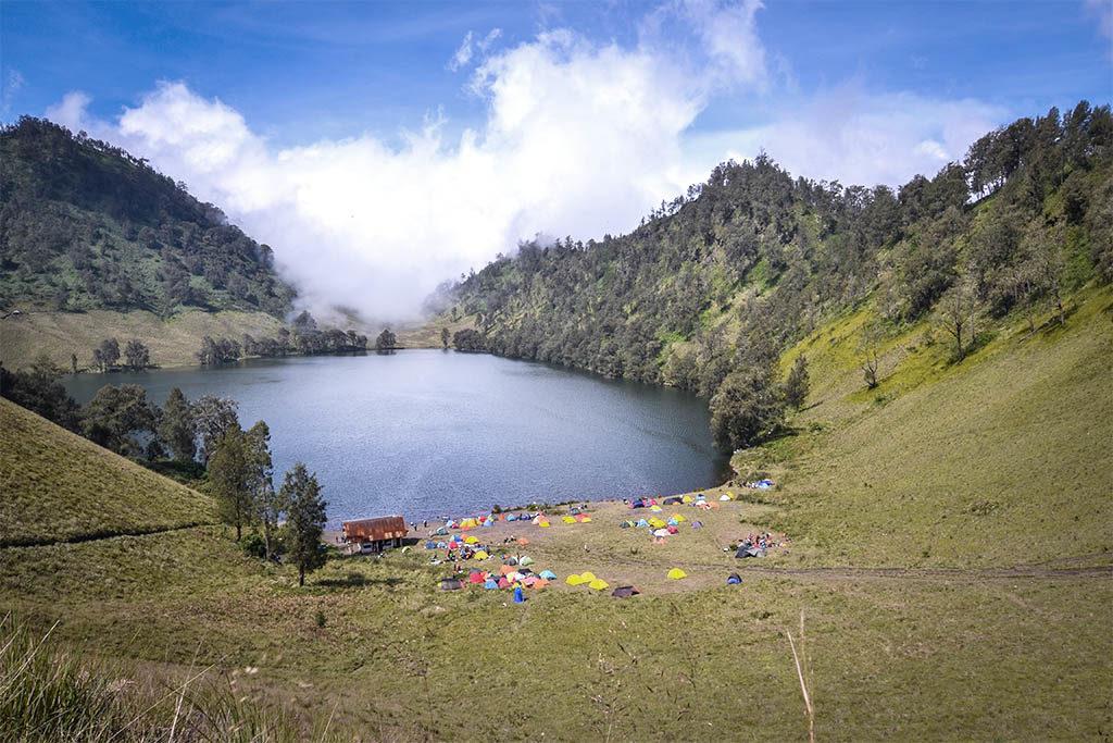 camping in ranukumbolo lake