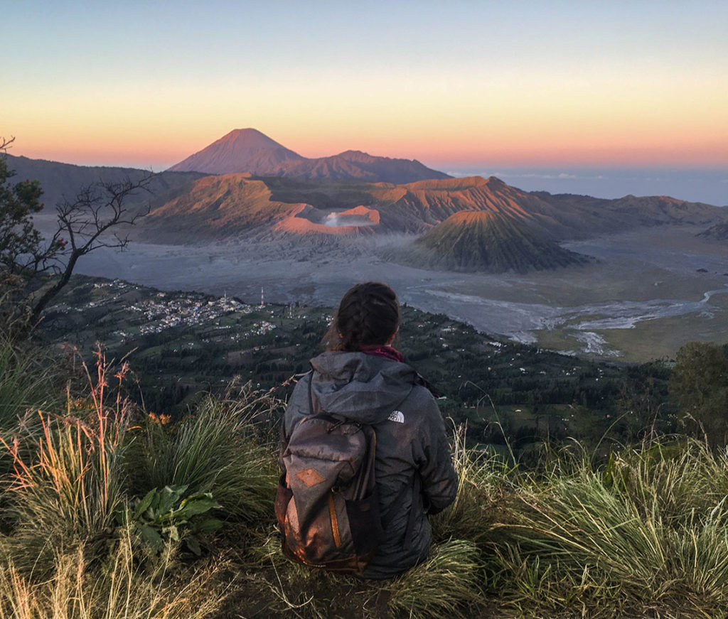 rogowulan hill bromo, bromo sunrise tour, bromo photography