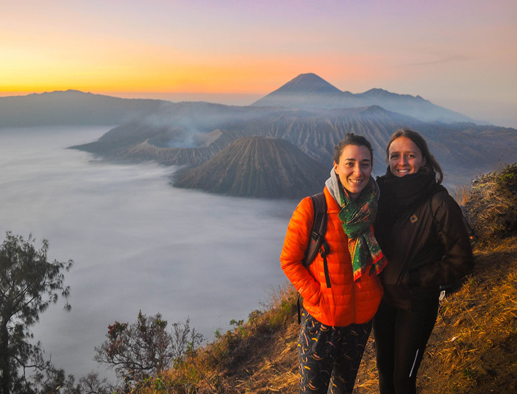 mount bromo sunrise tour, sunrise in mount bromo, bromo indonesia